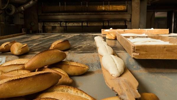 Ekmeğin son pişirme işlemini yapan işyerlerinden de ruhsat aranacak