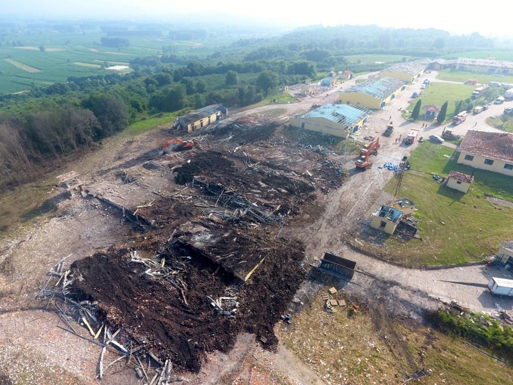 Sakarya'da patlamanın olduğu alandaki hasar havadan görüntülendi - 3