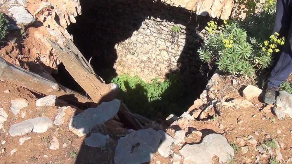 Tarihi Nodar Han ve hana ait kemerli kuyu define avcıları tarafından talan edildi - 8
