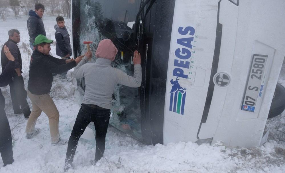 Konya'da 2 tur otobüsü devrildi: 1 Rus turist öldü, çok sayıda yaralı - 11
