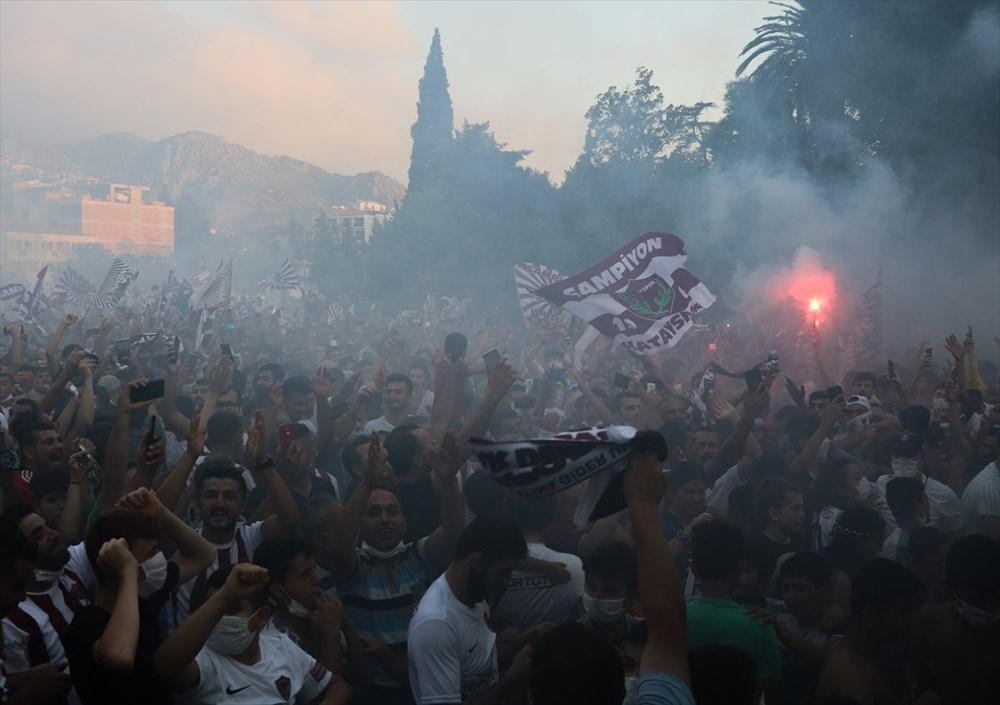 Hatayspor'un şampiyonluğu kentte büyük bir coşkuyla kutlanıyor - 7