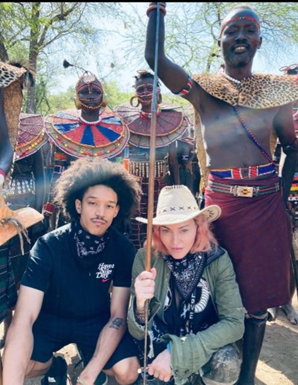 Madonna seyahat kısıtlamasına rağmen 3 haftada 5 ülke gezdi - 5