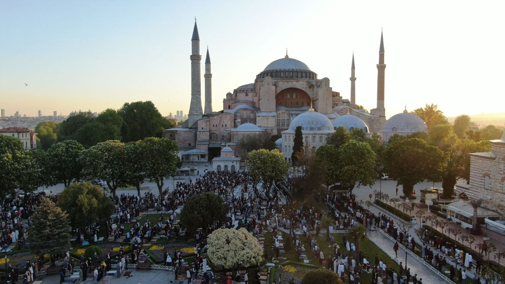 Ayasofya'da 87 yıl sonra ilk Ramazan Bayramı namazı kılındı - 2