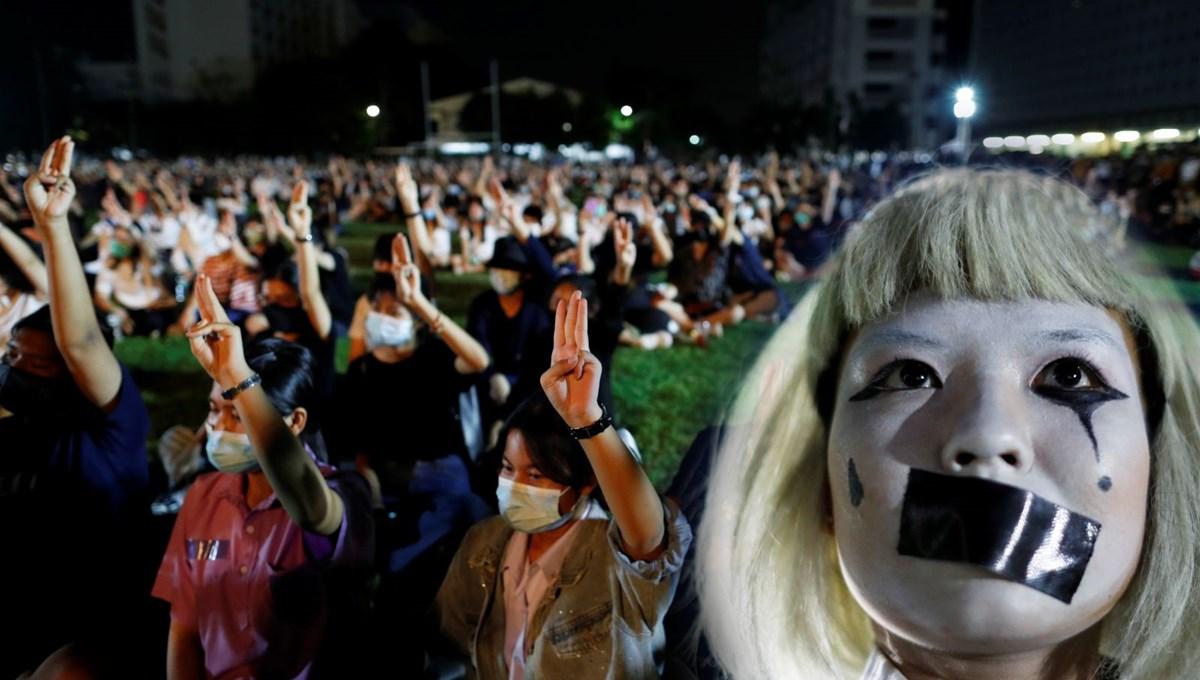 Tayland'da öğrenci protestoları ülke geneline yayılıyor