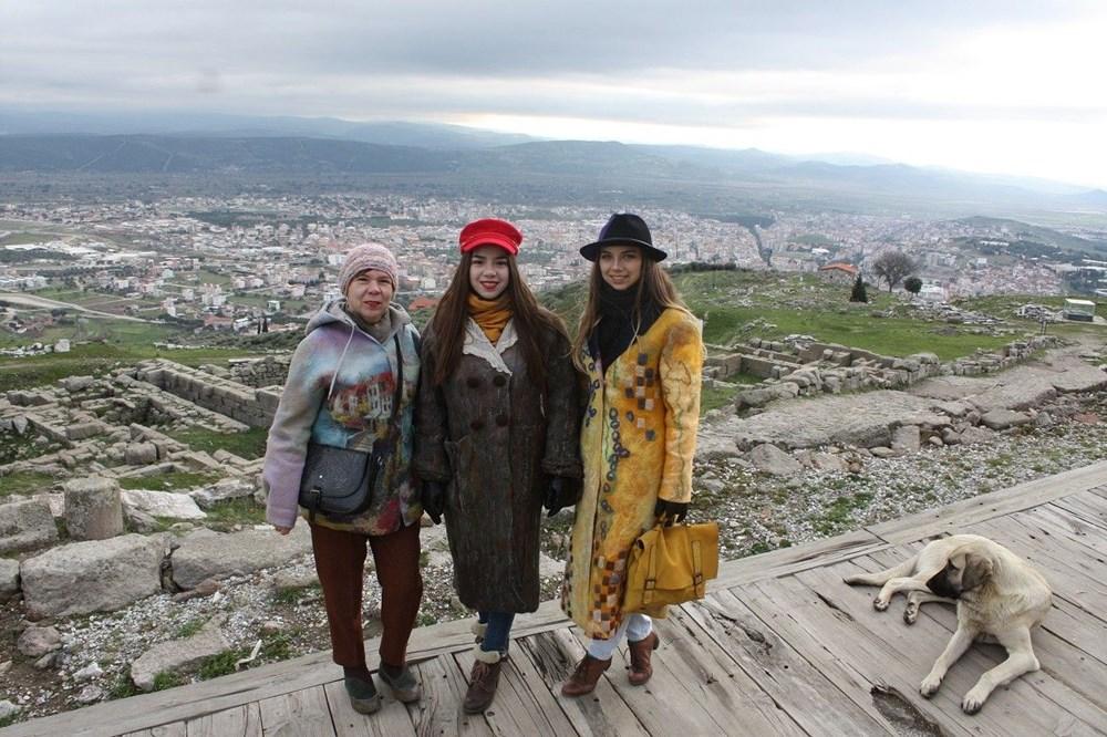 Bergama ünlü modacı Lira Allairova'nın tasarımlarına ilham kaynağı oldu - 2