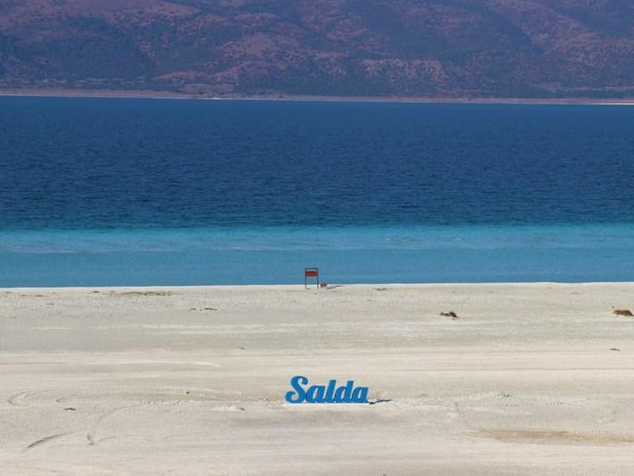 Salda Gölü corona virüs önlemleri kapsamında ziyarete kapatıldı