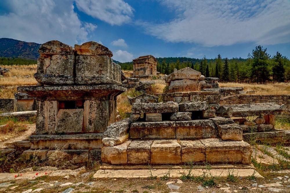 Türkiye'nin 'cehenneme' açılan  kapısının binlerce yıllık sırrı keşfedildi - 17