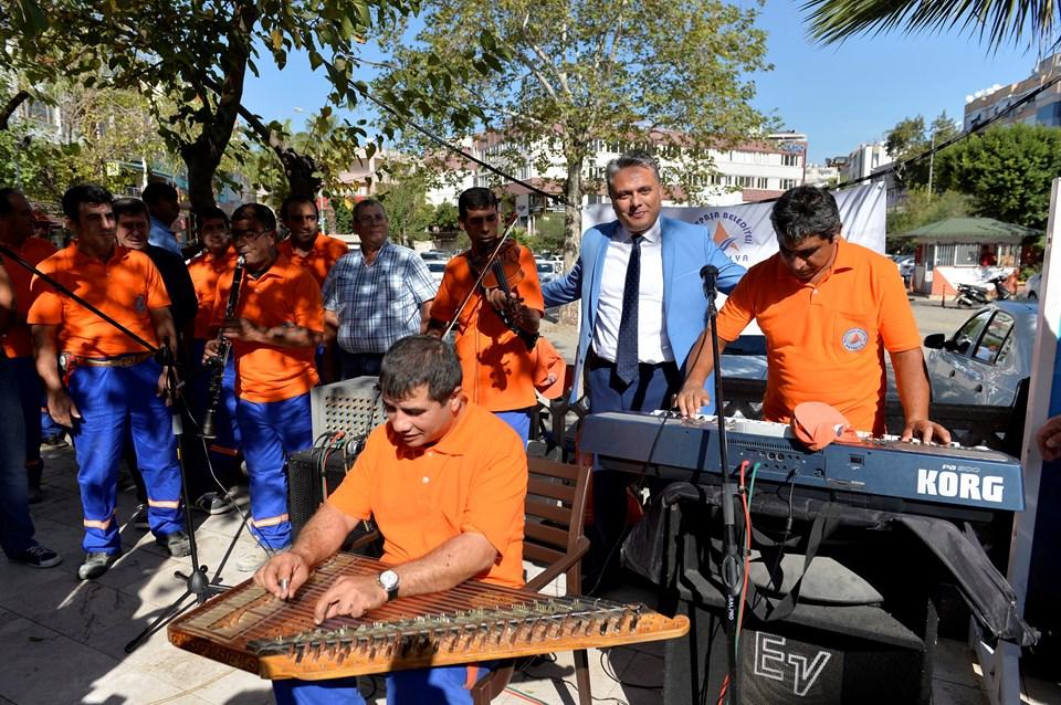 Temizlik işçilerinden konser