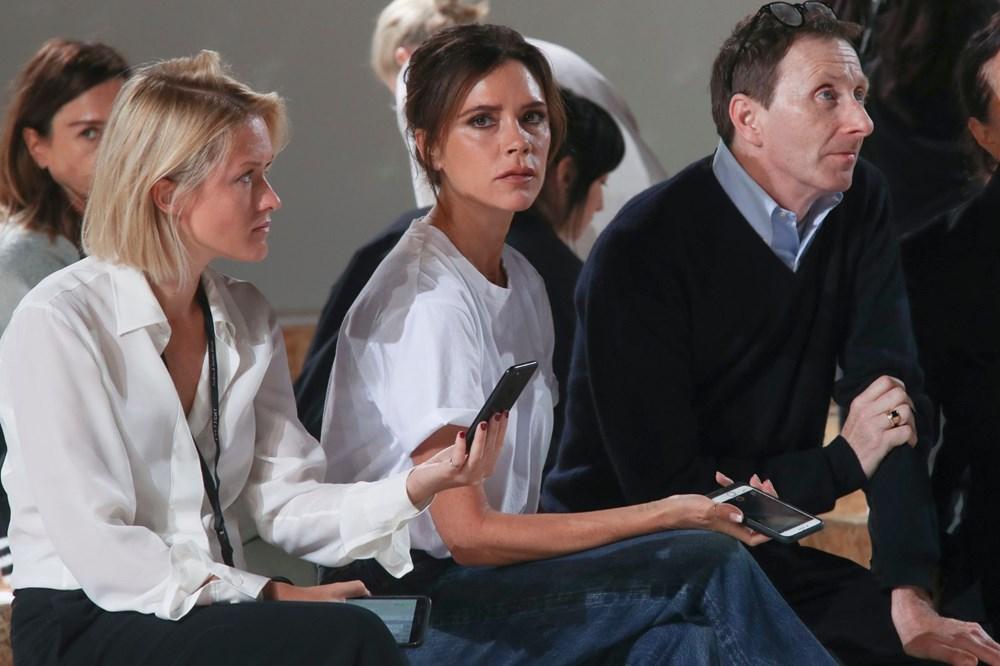 Victoria Beckham'dan pandemi çözümü: Evde kıyafet dene dönemi - 4