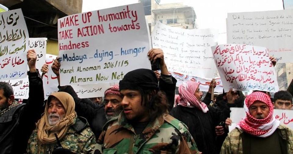 Açlıkla mücadele eden Medaya halkı sesini sosyal medya üzerinden duyurmaya çalışıyor.