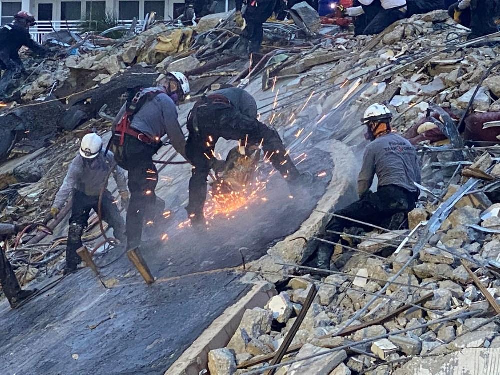 ABD'de çöken binada zamana karşı yarış - 9
