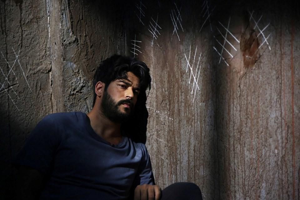 Burak Özçivit Star TV'nin Kara Sevda dizisinde Kemal karakterine hayat verdi.