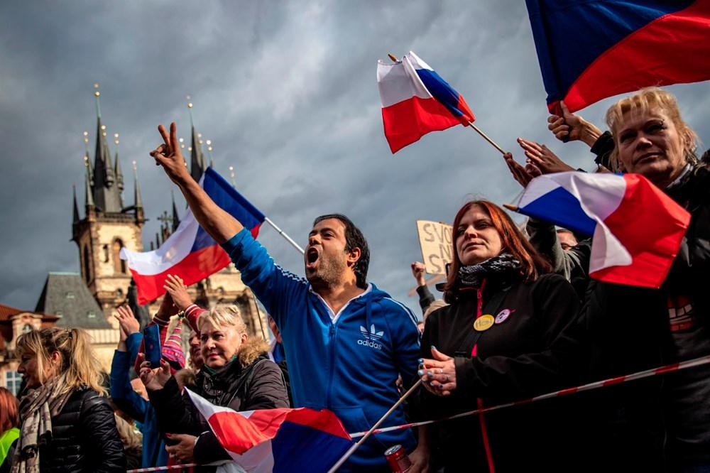 Çekya'da corona virüs önlemleri karşıtı gösteriye müdahale - 2