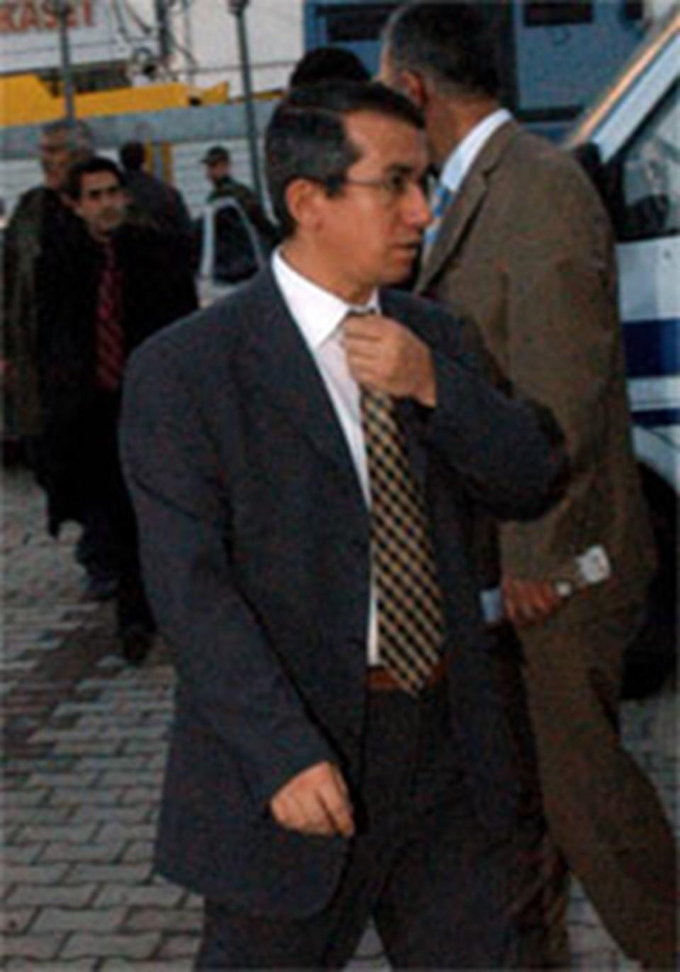 Yaklaşık 4 yıl önce meslekten ihraç edilen savcı Ferhat Sarıkaya.