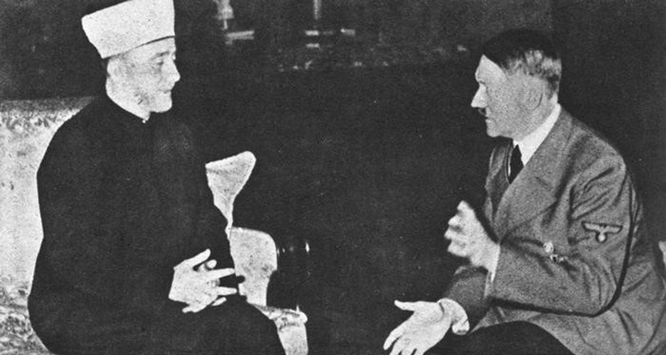 Dönemin Filistin müftüsü Hacı Emin Hüseyni 1941 yılında Berlin'e giderek Adolf Hitler'le görüştü.
