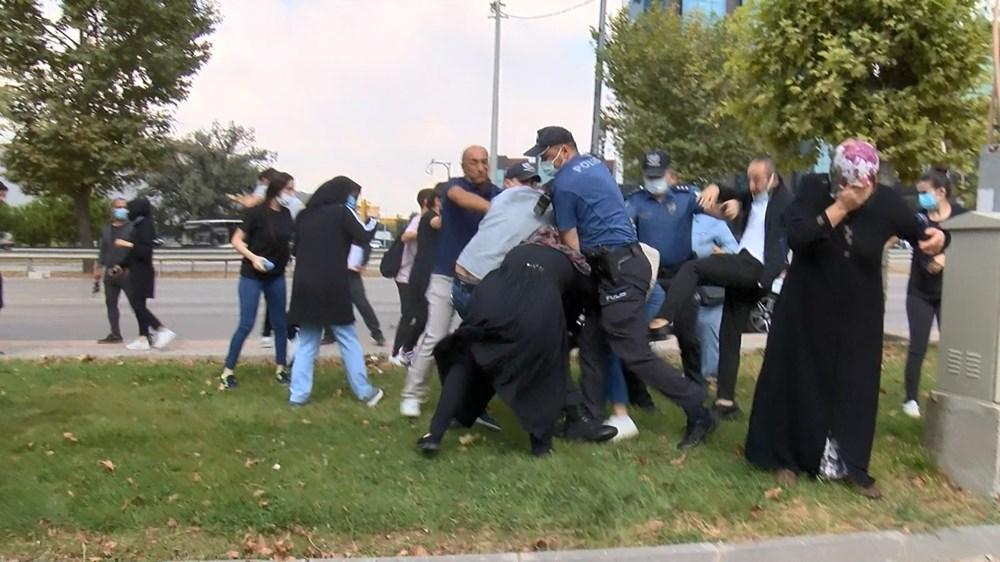 Selama pengintaian, mereka menyerang pengemudi wanita, polisi turun tangan dengan gas air mata - 9