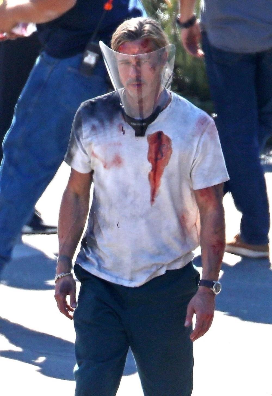 Brad Pitt Bullet Train filmi setinde kanlar içinde - 9
