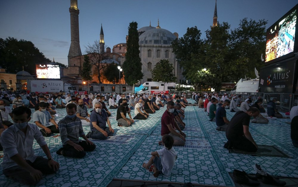 The crowd does not decrease in Hagia Sophia - 3