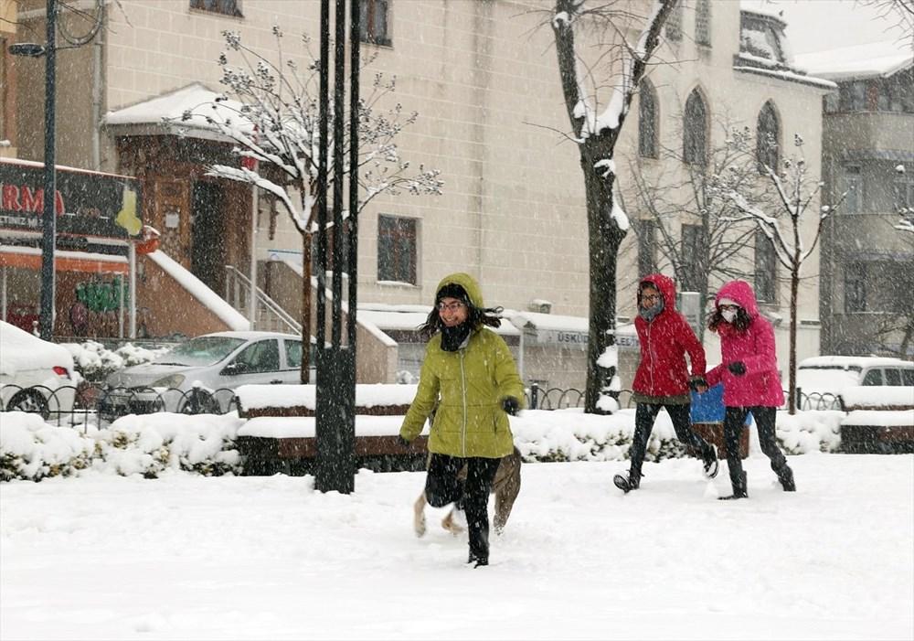 İstanbul'da kar yağışı devam ediyor - 2