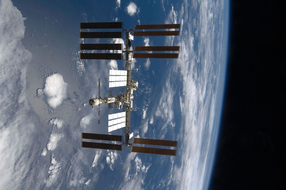 Russian cosmonauts discover new cracks on International Space Station - 7