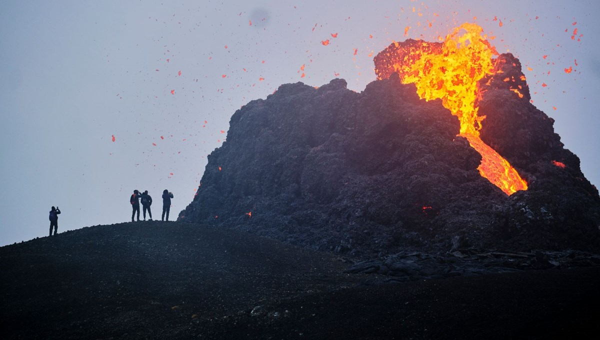 İzlanda'da 6 bin yıldır uyuyan Fagradals harekete geçti