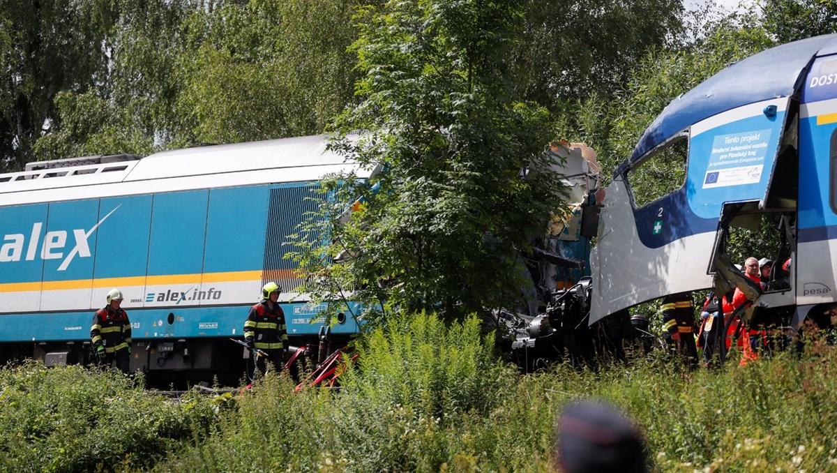 Çekya'da trenler çarpıştı: 3 can kaybı