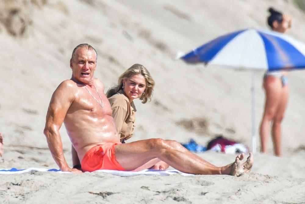 Rocky filminin yıldızı Dolph Lundgren 38 yaş küçük nişanlısıyla tatilde - 5