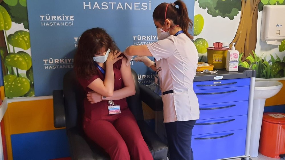 Second dose vaccines started to be administered to healthcare professionals - 1