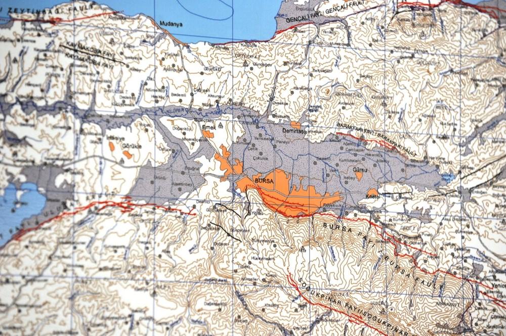 İzmir'i vuran deprem sonrası uzmanlar o bölgeyi işaret etti: Katil fay, Marmara'yı etkileyecek - 4