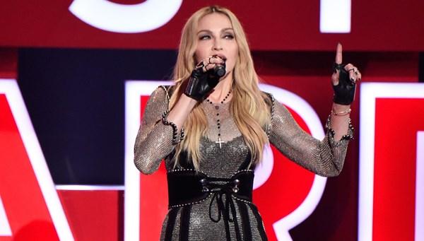 Madonna: Corona virüs herkesi eşit hale getirdi