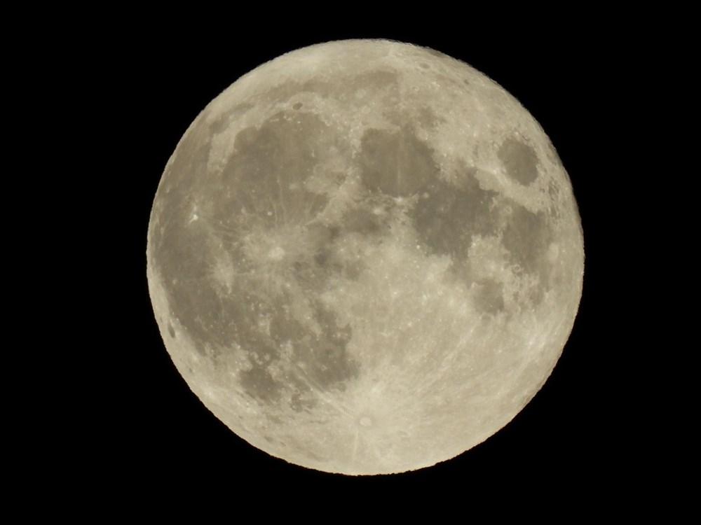 2021'in son Süper Ay'ı, Çilek Ay Tutulması gerçekleşti: Türkiye'den ve dünyadan manzaralar - 8