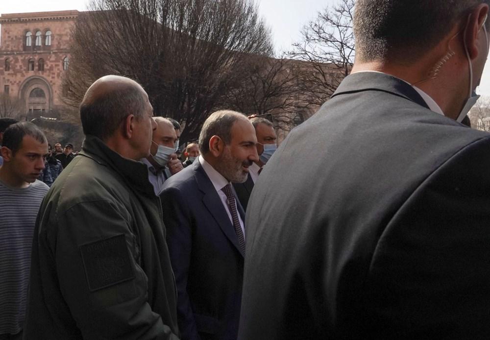 Ermenistan'da darbe girişimi: Paşinyan destekçileri ve karşıtları meydanlara çıktı - 12