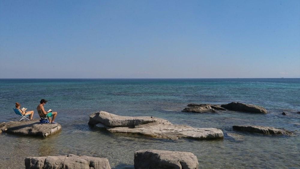 Alaçatı'da rüzgar ve dalgaların oluşturduğu güzellik: Delikli Koy - 8
