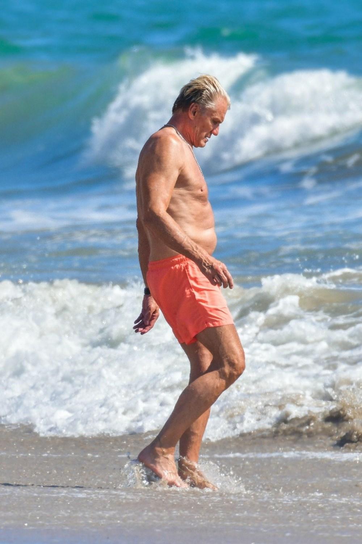 Rocky filminin yıldızı Dolph Lundgren 38 yaş küçük nişanlısıyla tatilde - 2