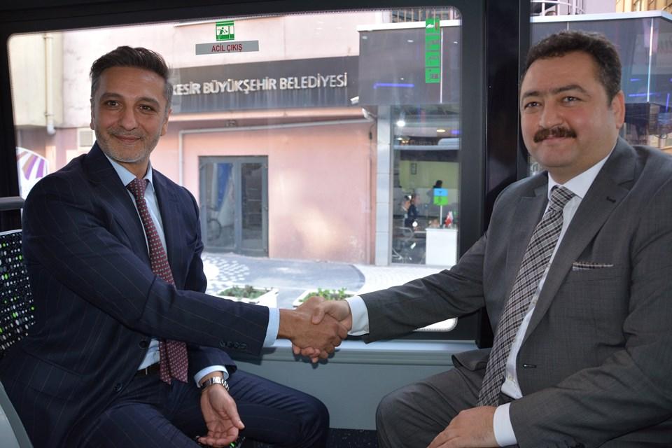 Hasan Yıldırım (TEMSA CEO'su)-Mehmet Gürbüz (Balıkesir Toplu Taşıma AŞ Yönetim Kurulu Başkanı)