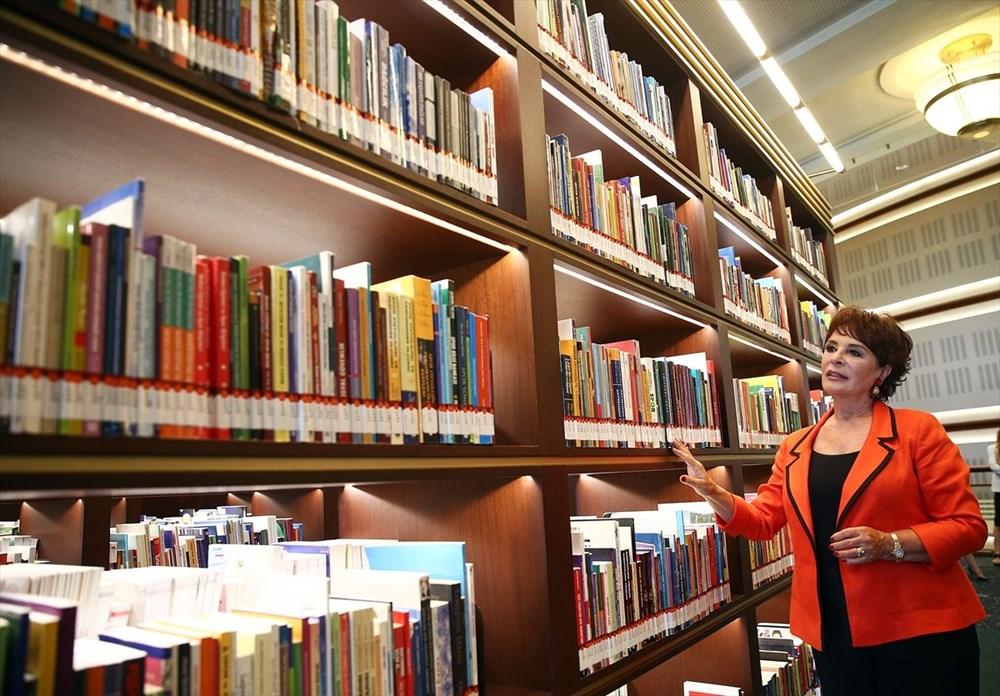 Hülya Koçyiğit, Cumhurbaşkanlığı Millet Kütüphanesi'ni gezdi - 4