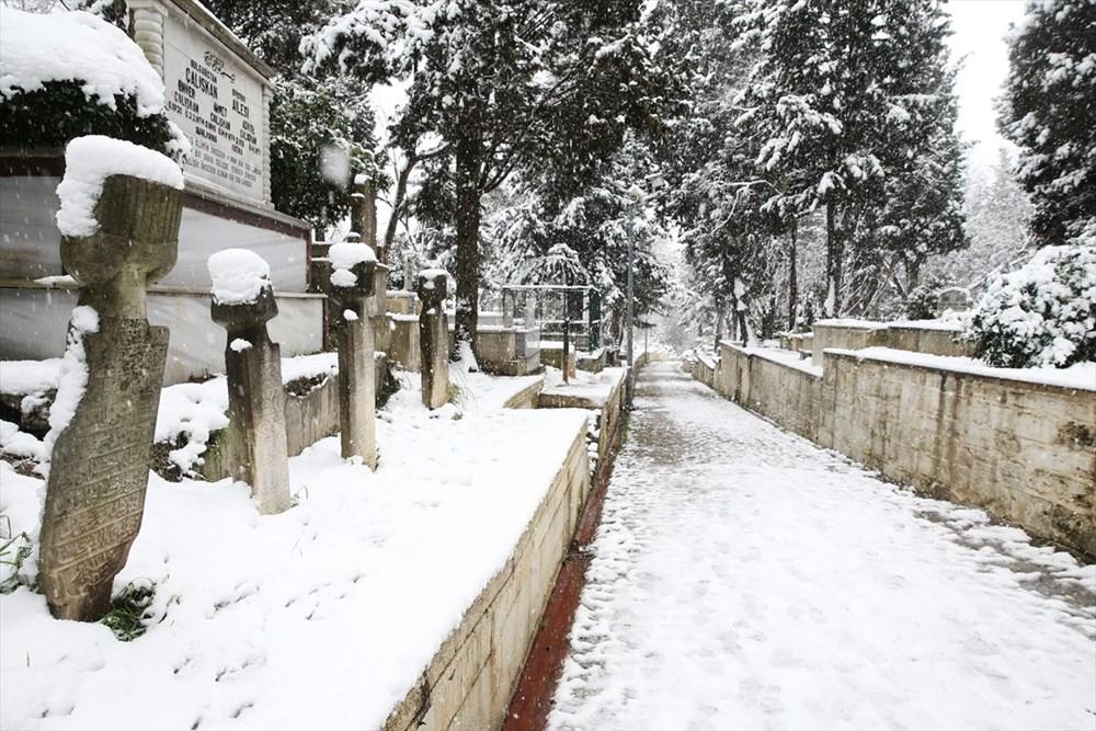 İstanbul'da kar yağışı devam ediyor - 15