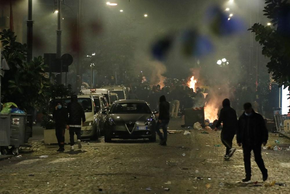 İtalya'nın Napoli kentinde sokağa çıkma yasağı olaylı başladı - 7