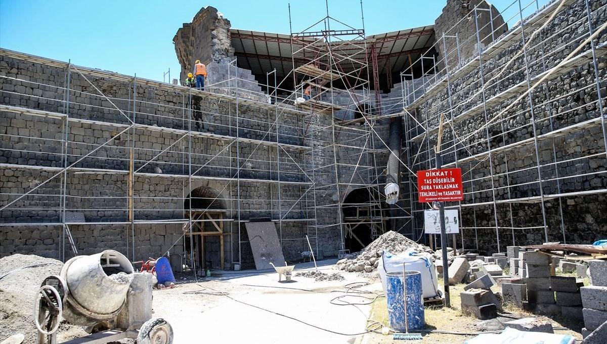 Tarihi Diyarbakır Surları bazalt çubuklarıyla sağlamlaştırılıyor