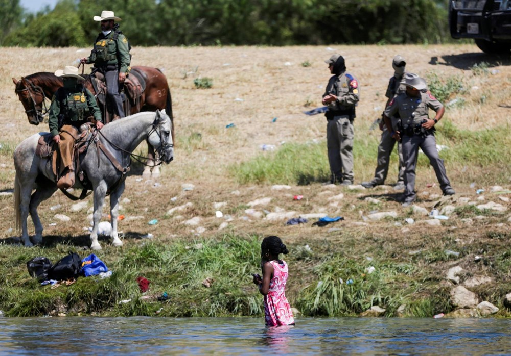 ABD'li sınır muhafızları kementlerle göçmenlere saldırdı: Beyaz Saray özür diledi - 2