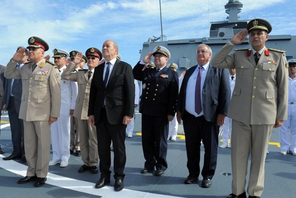 Mısır'a satılan 1 milyar euro değerindeki fırkateyn için Fransa'da tören düzenlendi.