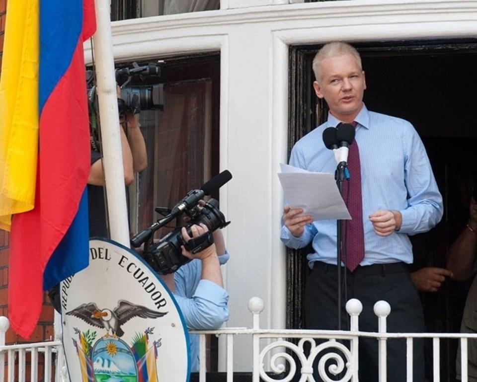 Assange 2012'de Londra'daki Ekvador Büyükelçiliği'ne sığınmıştı. Wikileaks'in kurucusu 40 yaşındayken büyükelçilik önünde basın açıklamasında bulunmuştu.