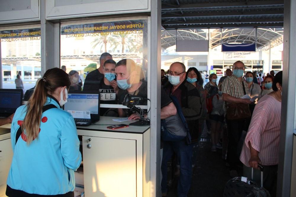 Kapılar açıldı, Ruslar akın akın geliyorlar! Rusya'dan hava trafiği yüzde 45 arttı - 18