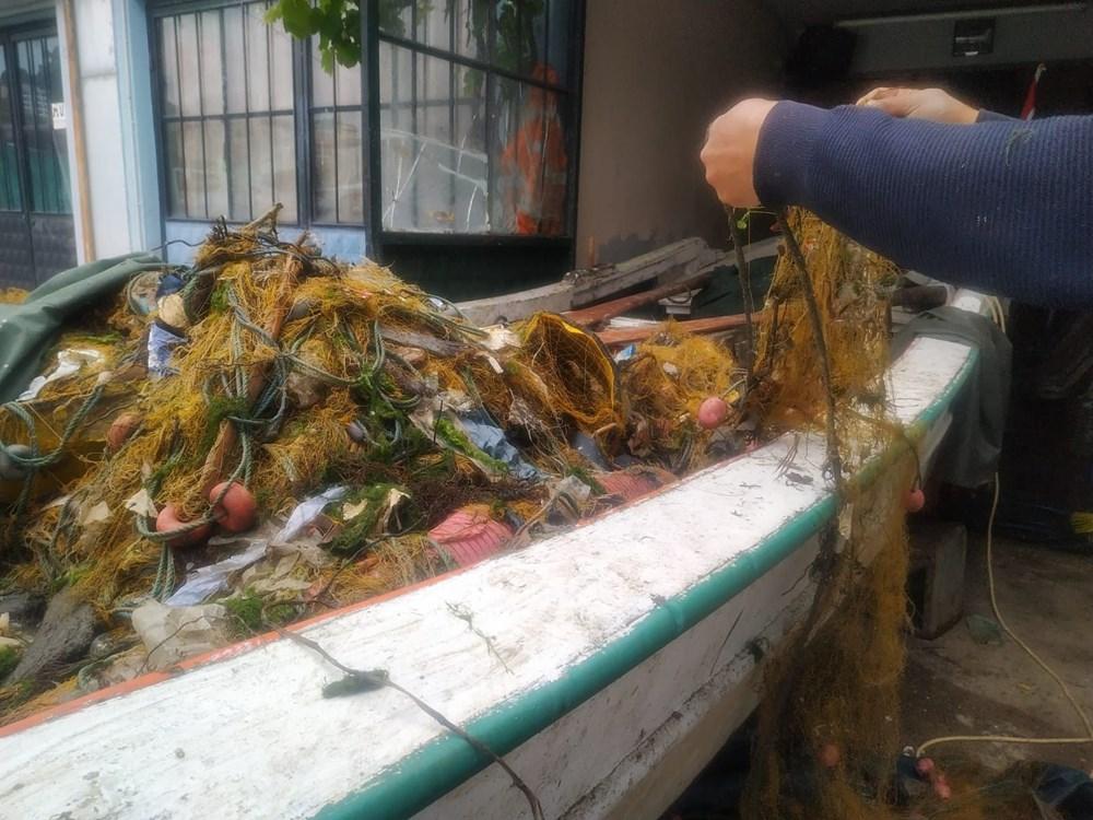Rize'de balık için denize çıkan balıkçılar, çöp dolu ağlarla dönüyor - 8
