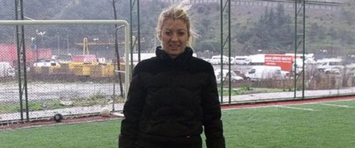 Futbol dünyasına kadın antrenör | NTV