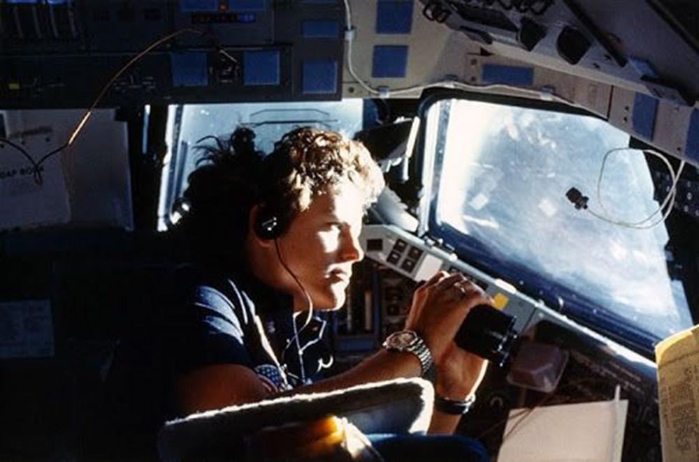 Uzayda yürüyen ilk ABD'li kadın astronot yeniden tarih yazdı - 8