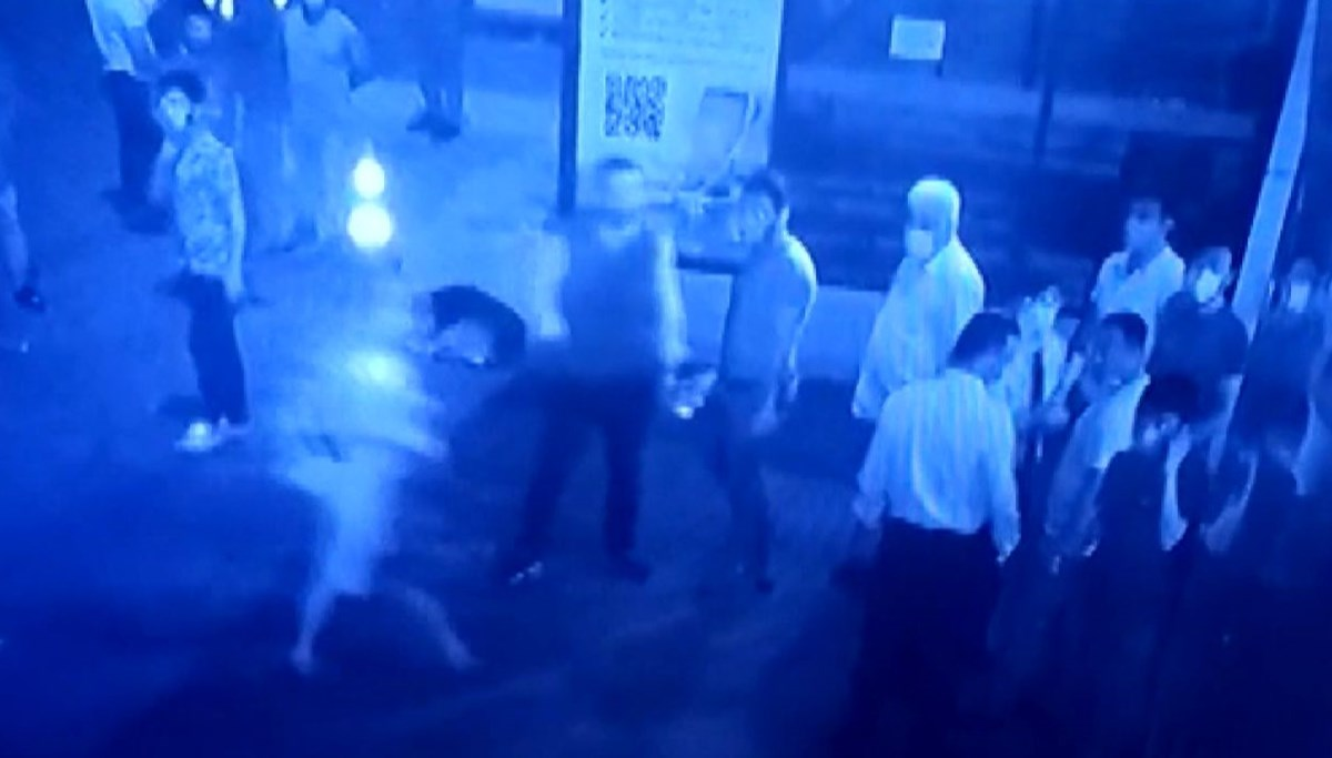 Acil servis önünde bekleyenlere silahlı saldırı