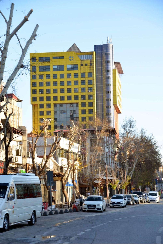 'Dünyanın en saçma binası yıkılacak mı? (30 milyon liralık teklif) - 2