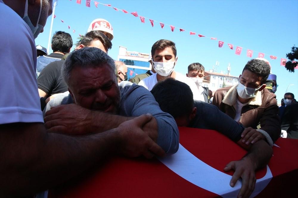 Martir Muammer Yiğit mengucapkan selamat tinggal pada perjalanan terakhirnya di Tokat - 12