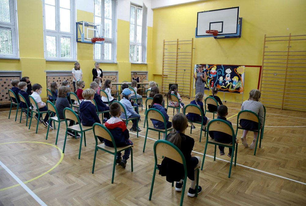 Avrupa'daki okullar corona virüs ile nasıl başa çıkıyor? - 12
